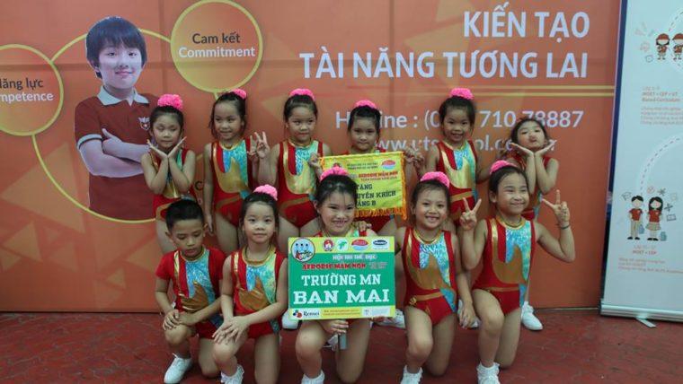 Đội năng khiếu thể dục nhịp điệu nhà trường đạt giải khuyến khích Hội thi acrobic cấp thành
