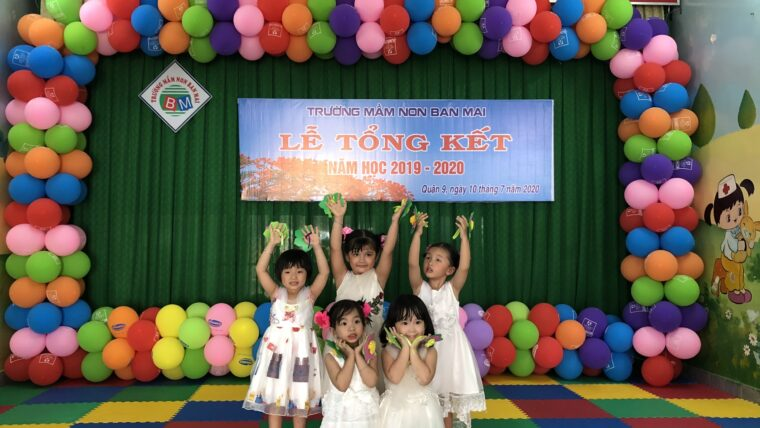 """Tiết mục múa """"Mưa hè"""" Lớp Mầm – Lễ tổng kết năm học 2019 – 2020"""
