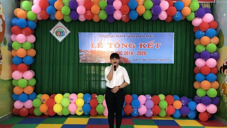 """Tiết mục hát """"Lời thầy cô"""" – Cô Tố Uyên – Lễ tổng kết năm học 2019 – 2020"""